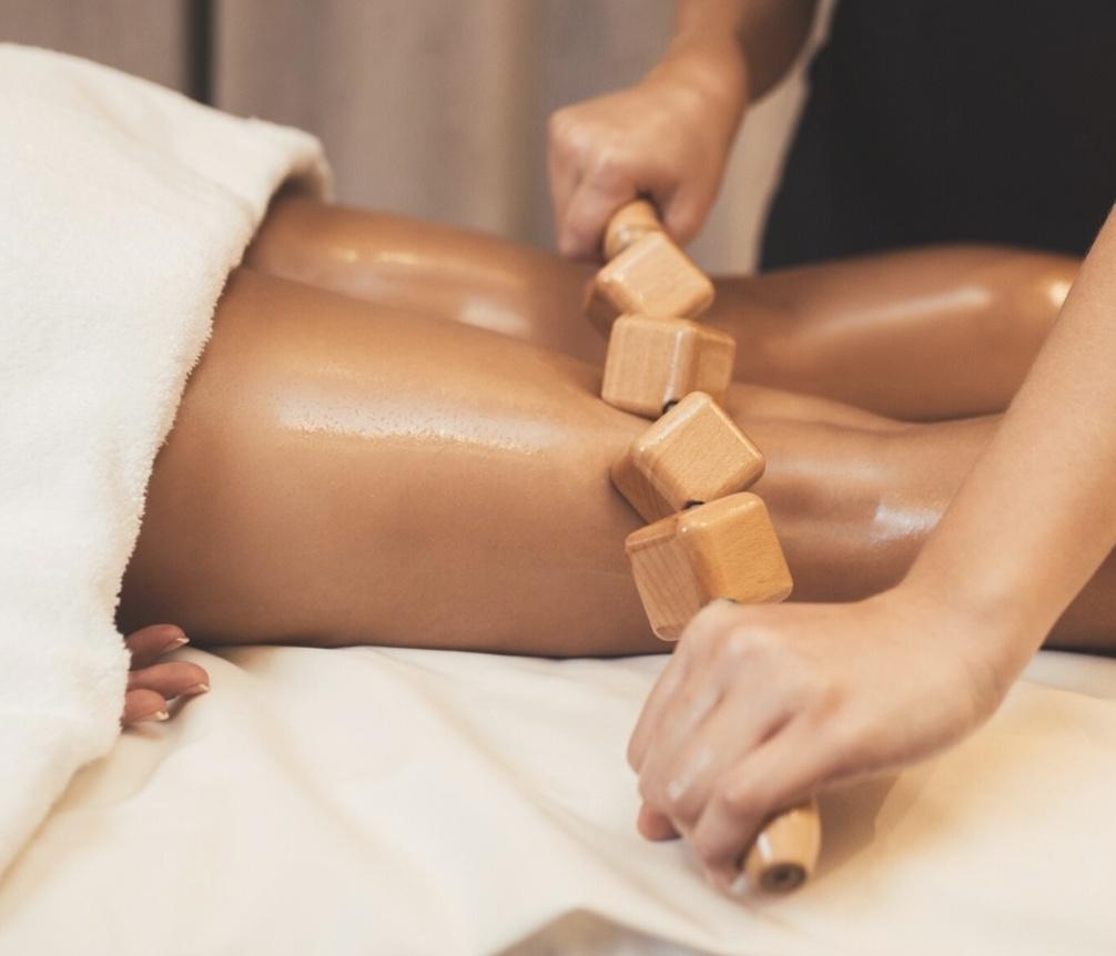 maderoterapia, masaż drewnem, masaż antycellulitowy, masaż przeciw cellulit, masaż redukujący cellulit, masaż odchudzający, masaż modelujący, masaż wyszczuplający, terapia antycellulitowy masaż w domu