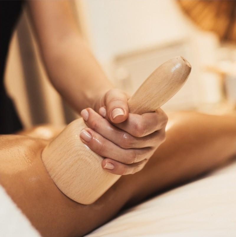 maderoterapia bańka chińska, masaż antycellulitowy, masaż odchudzający, masaż ujędrniajacy nogi